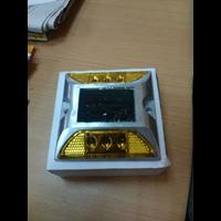 Distributor Paku Marka Jalan (Solar Road Stud) 3