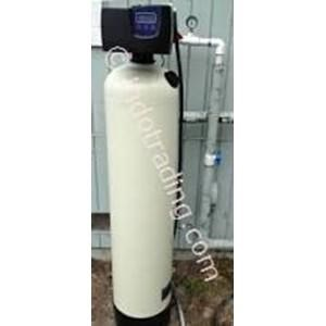 Water filters for removal of iron and manganese