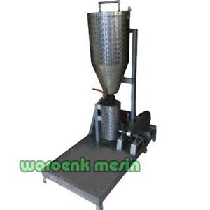 Blender Buah atau Mesin Pembuat Jus