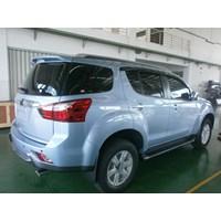 Distributor Mobil Isuzu Mux 3