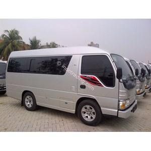 Isuzu NHR 55 Microbus