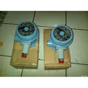 Alat Ukur Tekanan Air UNITED ELECTRIC PRESSURE  SWITCH SERIES J120