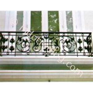 Balkon Ukir Minimalis