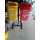 Tong Sampah Fiber 7