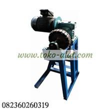 Mesin Pencungkil Batok Kelapa / Mesin Pengupas Batok Kelapa