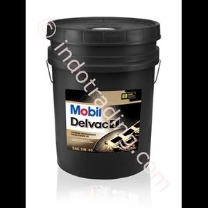 Oli Dan Pelumas Mobil Delvac 1 5W-40