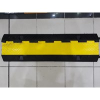 Distributor Rubber Speedhump 3