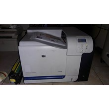 Printer HP LAserjet CP3525n siap pakai