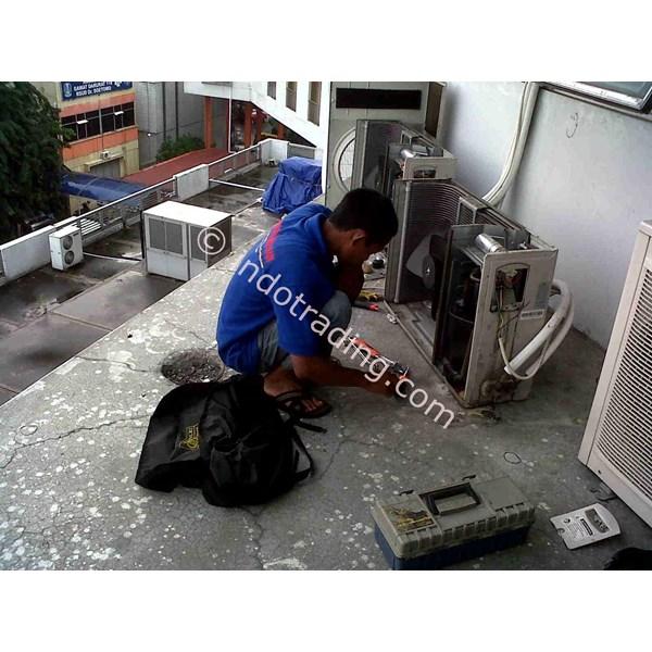 Service AC By CV. Anugerah Teknik Abadi
