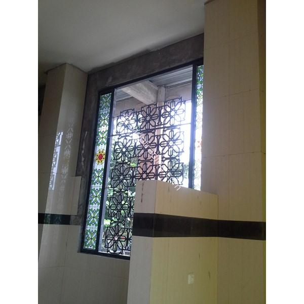 Teralis Besi Untuk Jendela dan Pintu