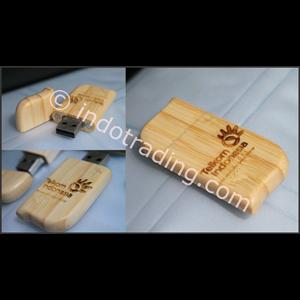 Souvenir Unik Flashdisk Kayu Custom Bergaransi