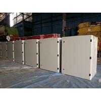 Box Panel WM size 300 X 400 X 250 Mm