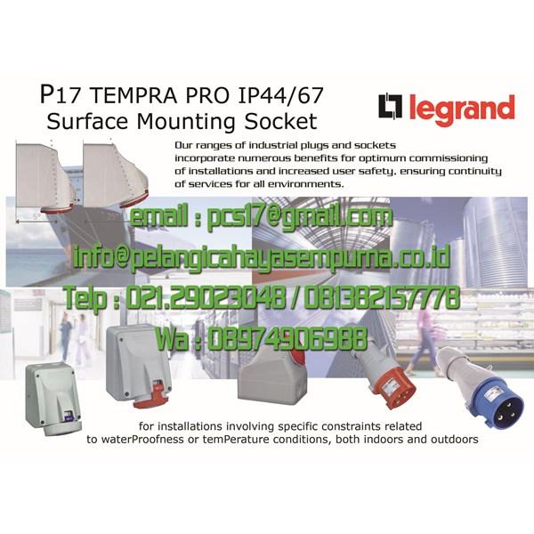 Legrand Surface mounting socket P17 IP44 / IP67 100/250V 380/415 V Stop Kontak Gondola