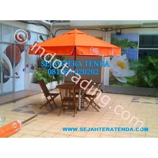 Payung Kolam Renang