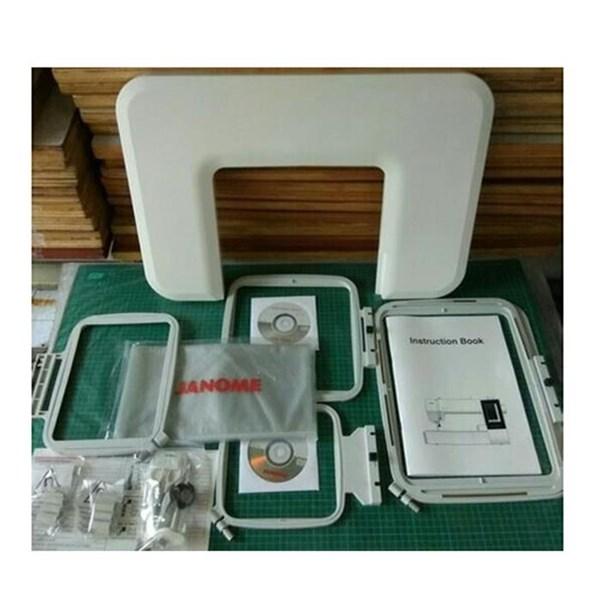 Mesin Bordir Komputer Janome MC 500e - hitam putih