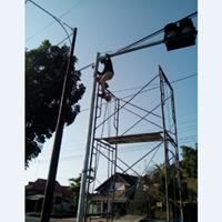 Tiang PJU Octagonal 6 Meter Warning Light