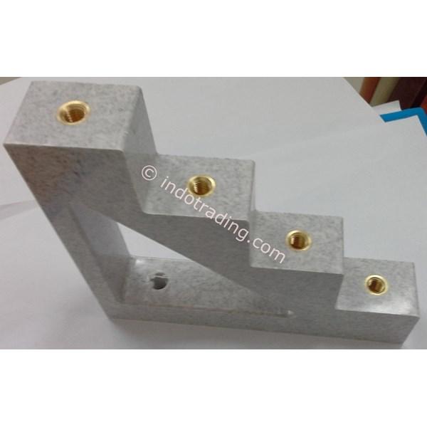 Step Insulator Ct4-30