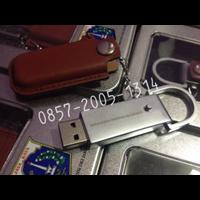 Supplier Flashdisk Kulit Custom Exclusive 1