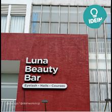 Huruf Timbul Luna Beauty Bar