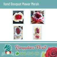 Bunga Tangan Mawar Merah di Kayoon Surabaya