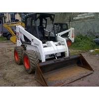 Distributor Skid Steer Loader  Mini Loader Bobcat 863 G Kapasitas 0.8 M3 3