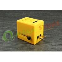 Travel Adapter 005 1
