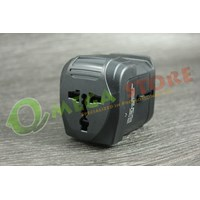 Travel Adapter 006 1