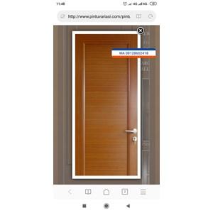 Pintu corak kayu
