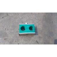 Clamp Pipa Hidrolik 32 mm 2 lobang