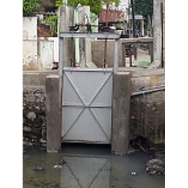Gear Water Door