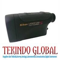 Binokular Nikon Laser 1200 Rangefinder  1