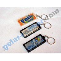 Gantungan Kunci Karet Kristal Kotak Persegi Panjang 1