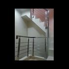 list tangga / raling tangga tiang penjepit pipa stainlis 1