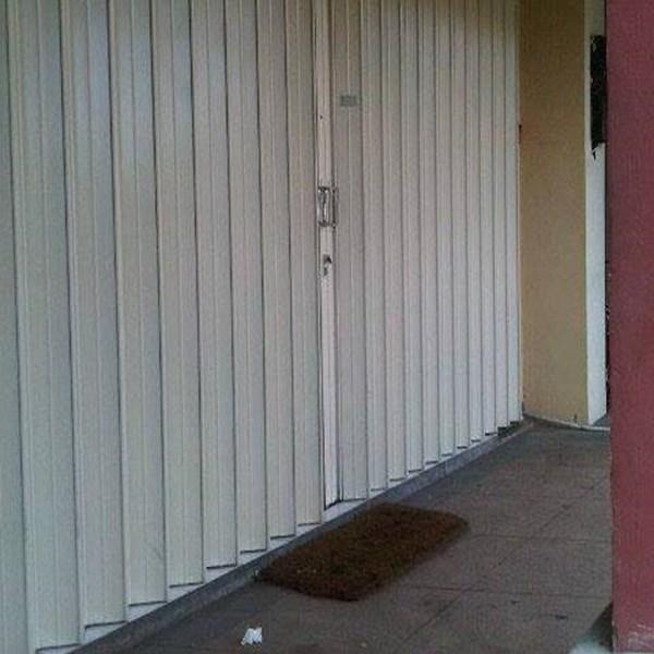 Pintu Harmonika By PT Sinar Kaca