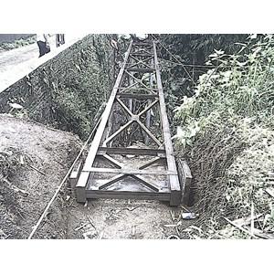 kontrusi  Ereksen besi gudang  jembatan