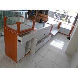 Etalase Display Untuk Toko By CV. Kembangdjati Furniture Semarang