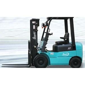 Forklift Solar / Diesel 2500Kg