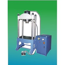Empat Kolom Hydraulic Press