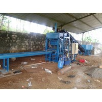 Distributor Mesin Press Hydrolic Paving Block Dan Batako Semi Automatic 3