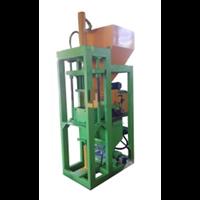 Mesin Press Interlocking Otomatis