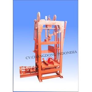 Mesin Cetak Bata / Mesin Paving Block