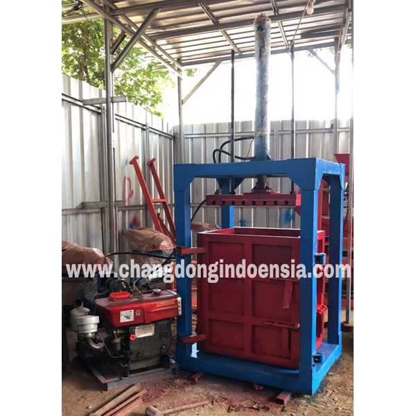 Mesin Press Sampah Hydrolik