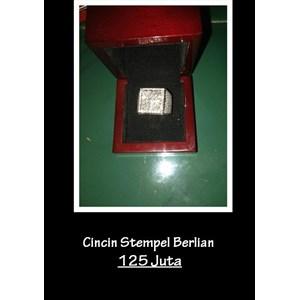 Cincin Stempel Berlian