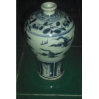 guci keramik dinasti motif biru
