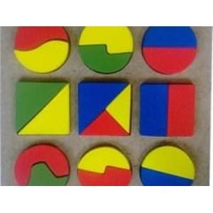 Mainan Puzzle Geometri