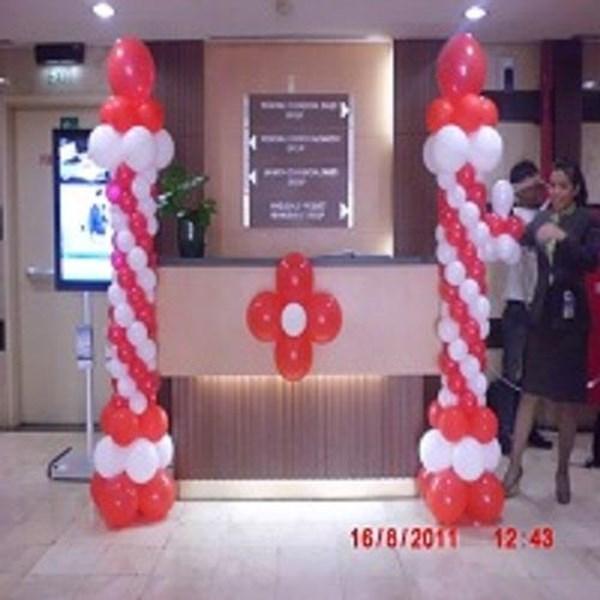 Balon promosi akrilik