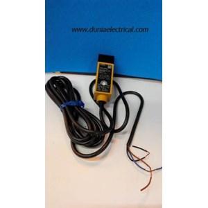 Photoelectric Switch E3S-R2E4 Omron