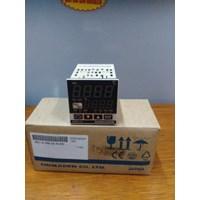 Temperature Controller  SR11A-8PN-90-N1000 Shimaden  Control Panel