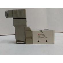Solenoid Valve VT 3130- 4G1-02 SMC  Silinder