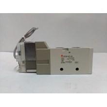 SOLENOID VALVE VF3130 - 4LZ1- 02 SMC Silinder